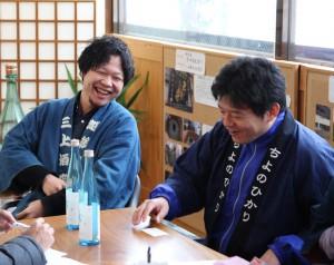 今回ラベル制作を担当した三上酒店・三上雄一郎(写真左)